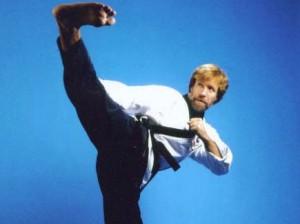 Chuck-Norris-Side-Kick